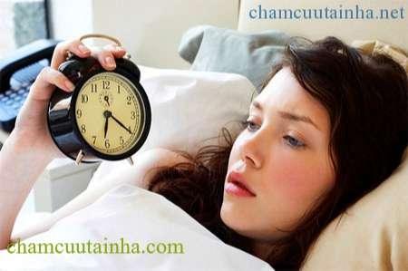 Chữa mất ngủ bằng châm cứu