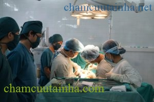 Phẫu thuật ngoại khoa là một lĩnh vực dễ có tai biến y khoa. Ảnh: Đức Cần