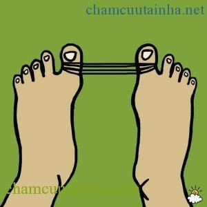 Mẹo biến bàn chân to bè biến dạng vì đi giày cao gót hồi phục như ban đầu - Ảnh 2.