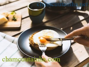Những lời khuyên giảm cân thực chất có thể làm bạn... béo thêm! - Ảnh 2.