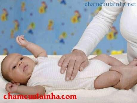 Mách mẹ chữa bệnh trào ngược dạ dày thực quản cho bé ngay tại nhà