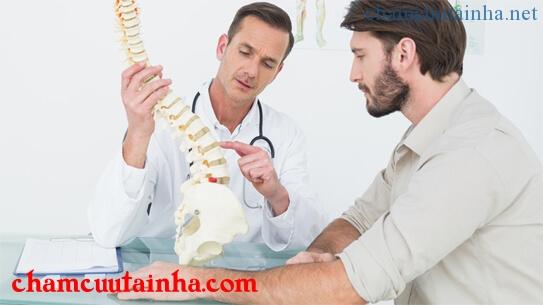 Điều trị đau lưng bằng dịch vụ châm cứu tại nhà