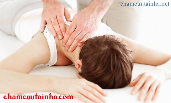 Điều trị đau vai gáy hiệu quả, an toàn bằng phương pháp không dùng thuốc