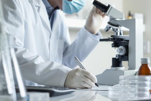 Các nhà khoa học vẫn đang tìm cách điều trị hiệu quả bệnh vẩy nến