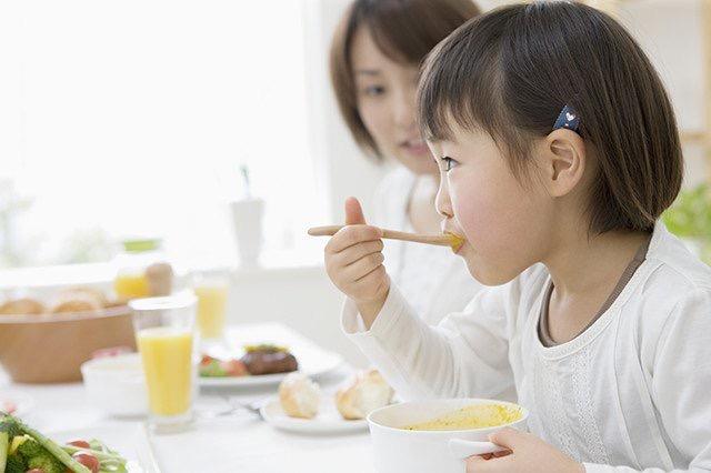 Ngoài dinh dưỡng bữa ăn, mẹ cần bổ sung cho bé sản phẩm dinh dưỡng hiệu quả