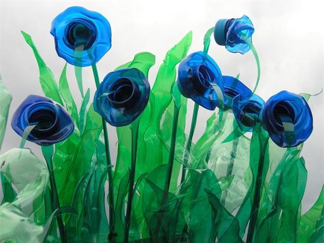 Chai nhựa nên tái chế theo cách khác để bảo vệ sức khỏe và môi trường (Ảnh minh họa)