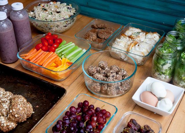 Bữa ăn của trẻ cần phải đủ chất, phong phú và đa dạng
