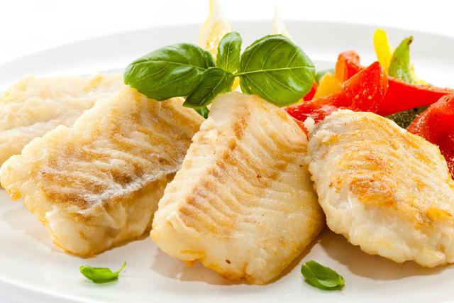 Ăn nhiều cá giúp giảm rụng tóc do bệnh tuyến giáp
