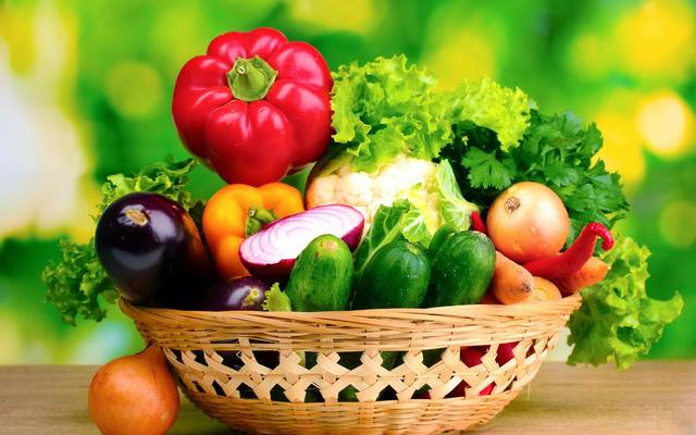 Chế độ ăn nhiều rau xanh giúp phòng ngừa u xơ tử cung