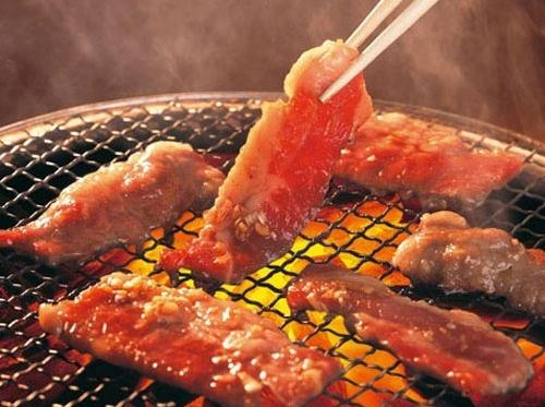 Các chuyên gia dinh dưỡng cảnh báo, thịt nướng gây hại đến sức khỏe (ảnh minh họa)