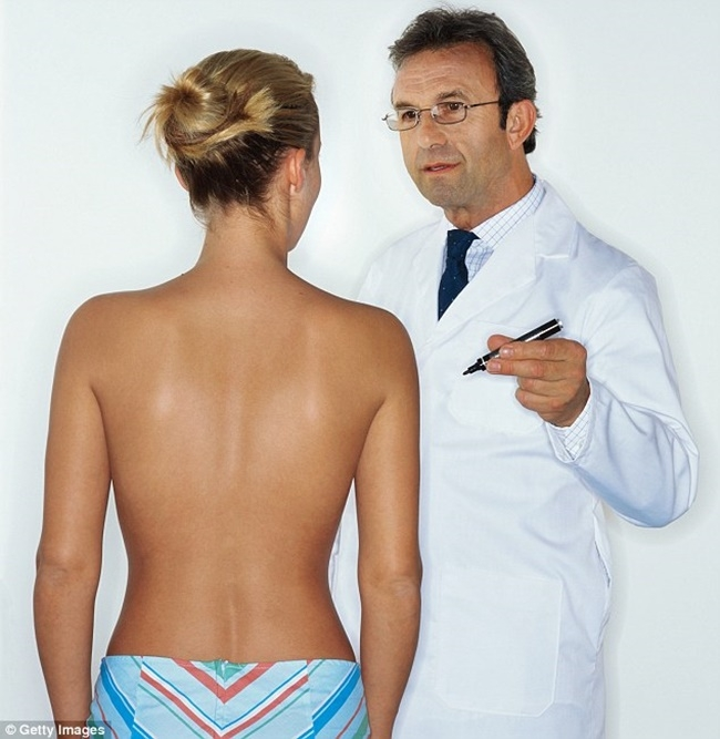 Đường kính trung bình của một quầng vú 4-4.5cm (đối với một người phụ nữ chiều cao trung bình)