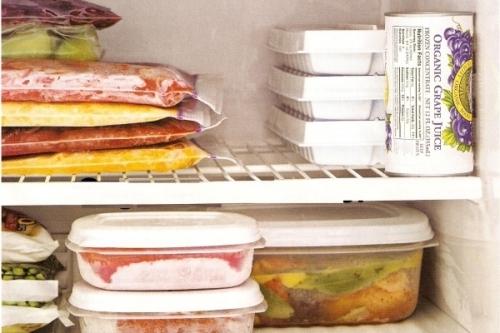 Việc trữ đồ ăn đã nấu chín quá 2 ngày là sai lầm có thể dẫn tới tiêu chảy (Ảnh minh họa).