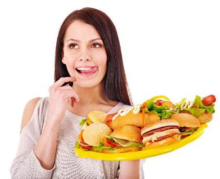 Chế độ ăn quá nhiều muối sẽ gây hại cho tim, thận...
