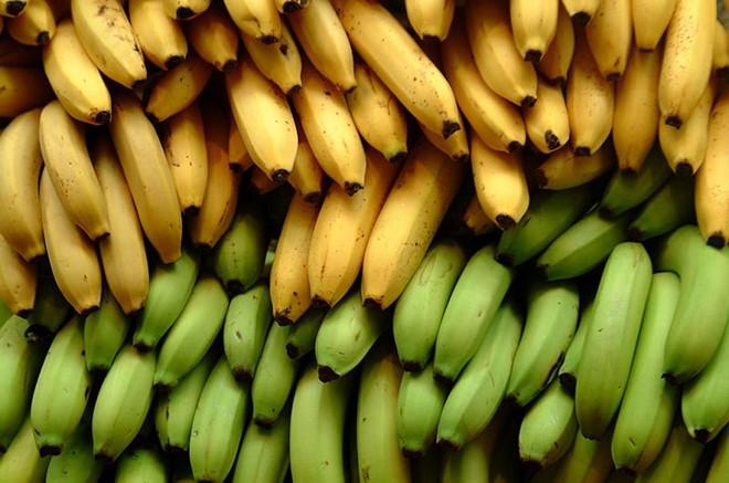 Trái cây chưa chín chứa nhiều hợp chất gây khó tiêu hóa. Ảnh: onegreenplanet.