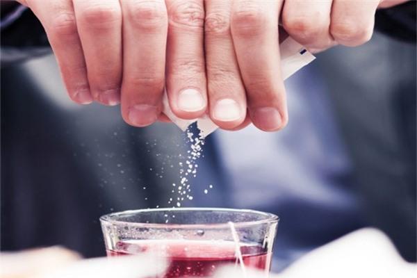 Thực phẩm và đồ uống không đường có sử dụng chất ngọt nhân tạo cũng tiềm ẩn nhiều nguy cơ đối với sức khỏe. (Ảnh minh họa).