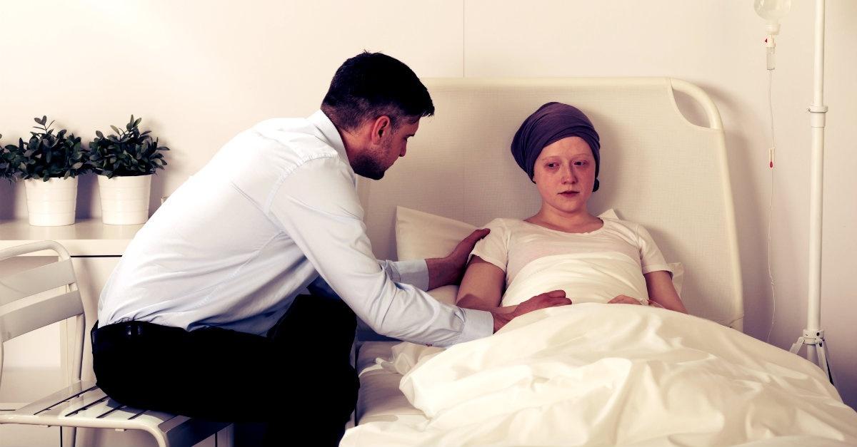 Điều bạn không nên nói với người mắc ung thư
